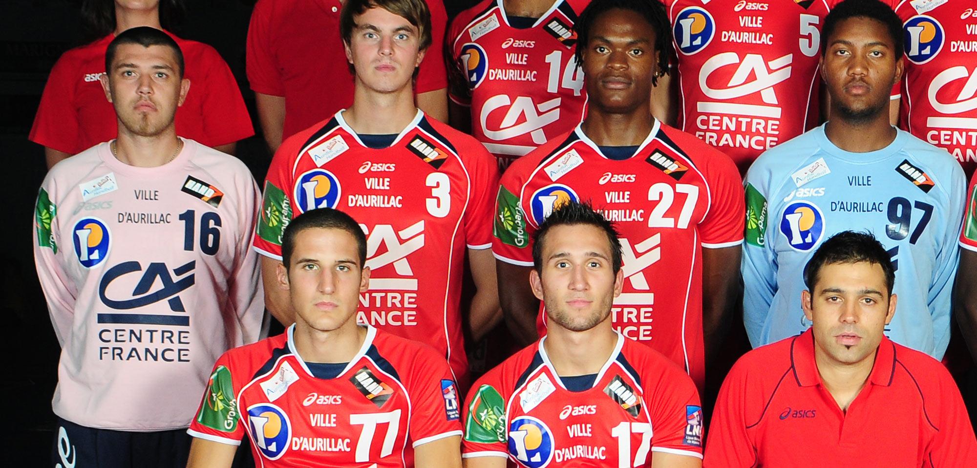 Lors de la saison 2009/2010, Yann Genty évoluait en D1 sous les couleurs d'Aurillac, alors dirigé par le jeune entraîneur Jeremy Roussel