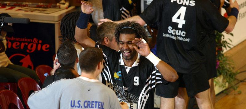 Jo Boisedu heureux après la victoire de Créteil face à Montpellier en finale de la Coupe de la Ligue 2003