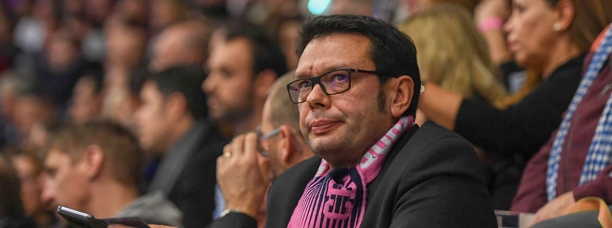 Stéphane Clémenceau, ici en tribune lors d'un match, est président de la SASU du Cesson-Rennes Métropole Handball depuis le 1er juillet 2018.