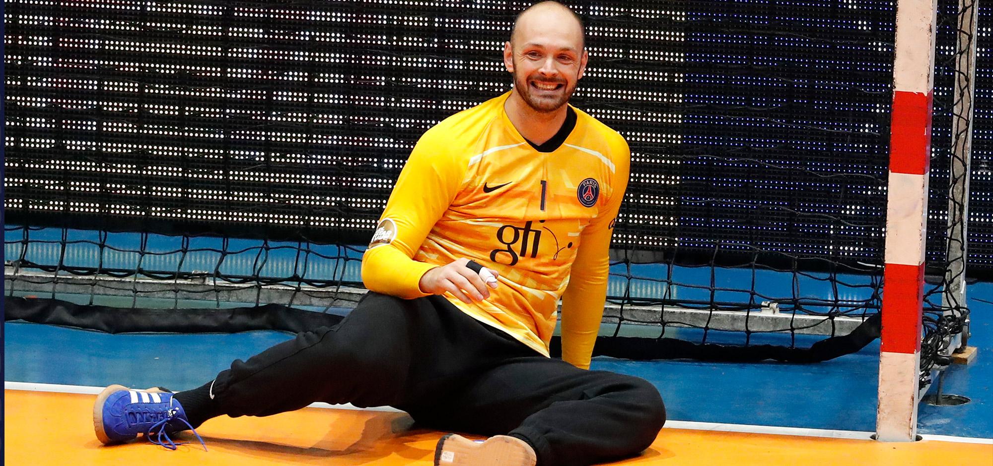 Le gardien de but international du PSG est également, depuis quelques mois, le président de l'Association des Joueurs Professionnels de Handball (AJPH).