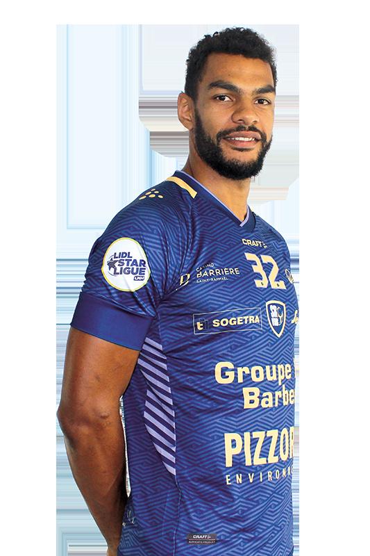 32 - Adrien DIPANDA